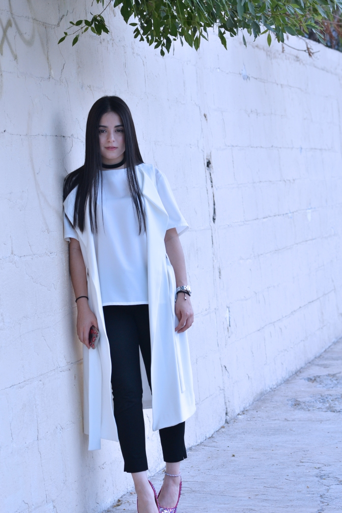 whitevest3